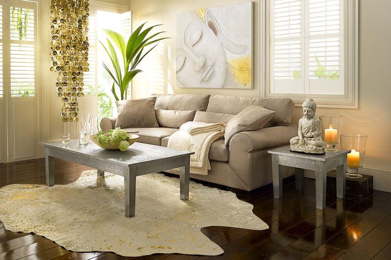 tapis-peau-vache-blanc-or - Espace Revêtements Pouteau (35)